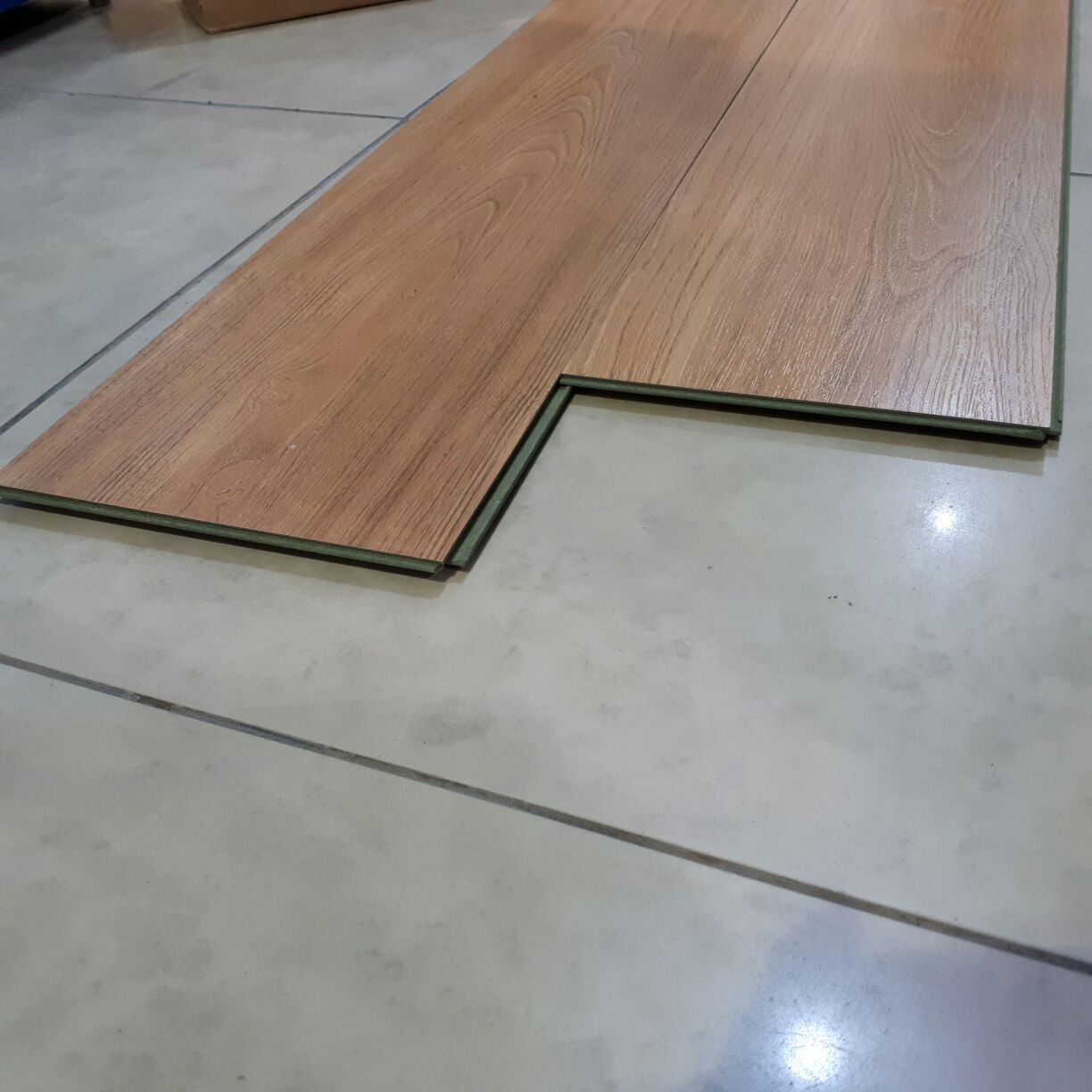 FLOORING LIGHT TEAK
